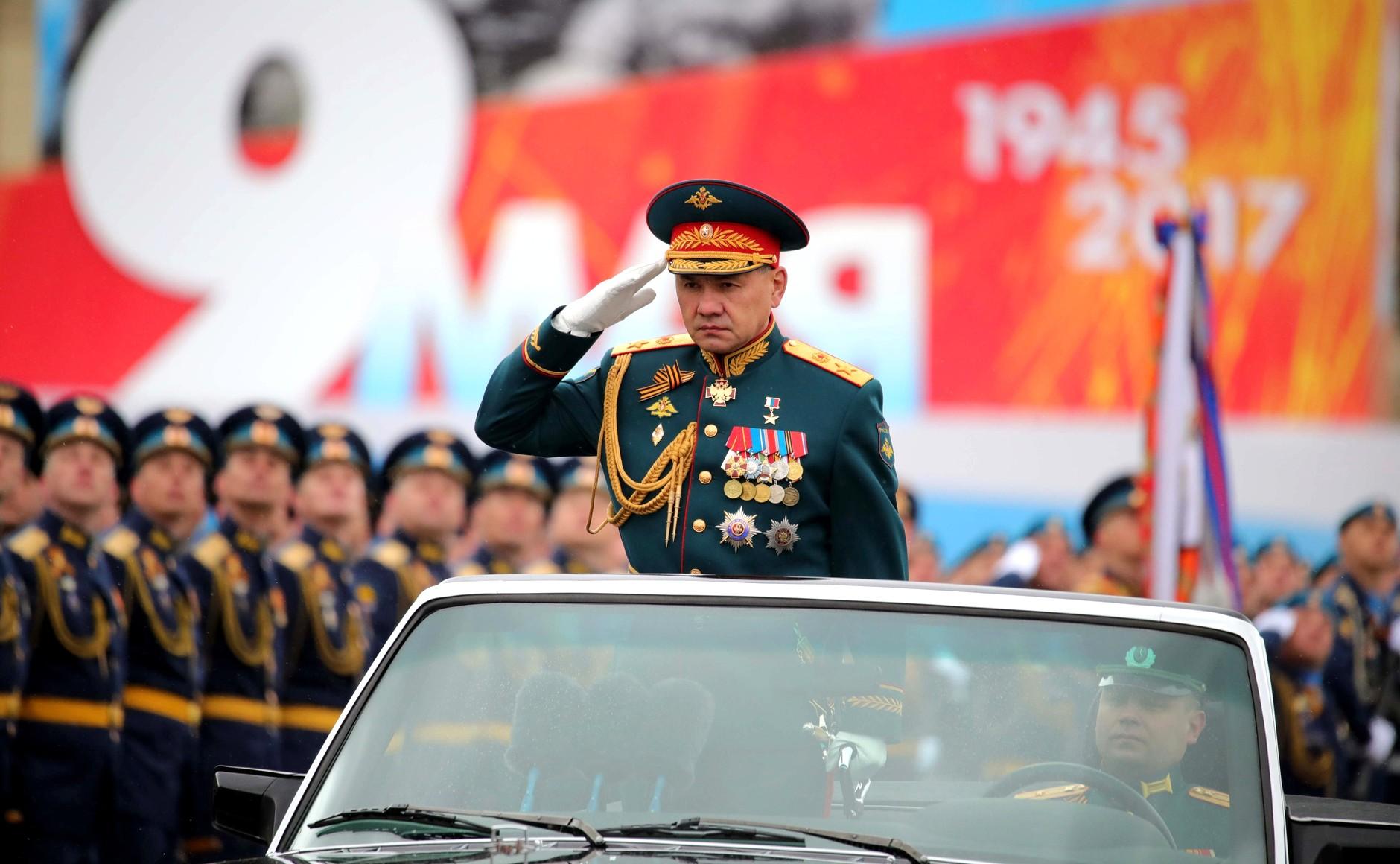 Успешной, картинки шойгу на параде красной площади